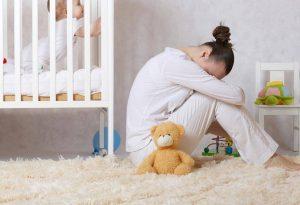 """Selalunya gejala """"baby blues"""" akan terkena pada ibu-ibu dalam tempoh empat hingga lima hari selepas kelahiran bayi,"""